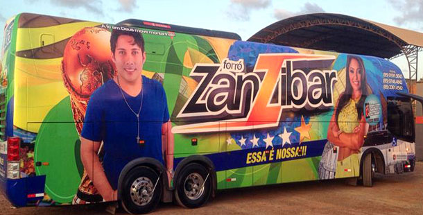 zanzibar-bus